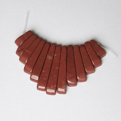 Red jasper 10-12mm to 26-29mm. gradulated mini fan